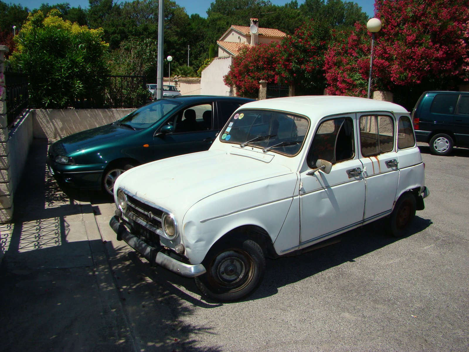 Renault 4 ran when parked for Garage renault marignane