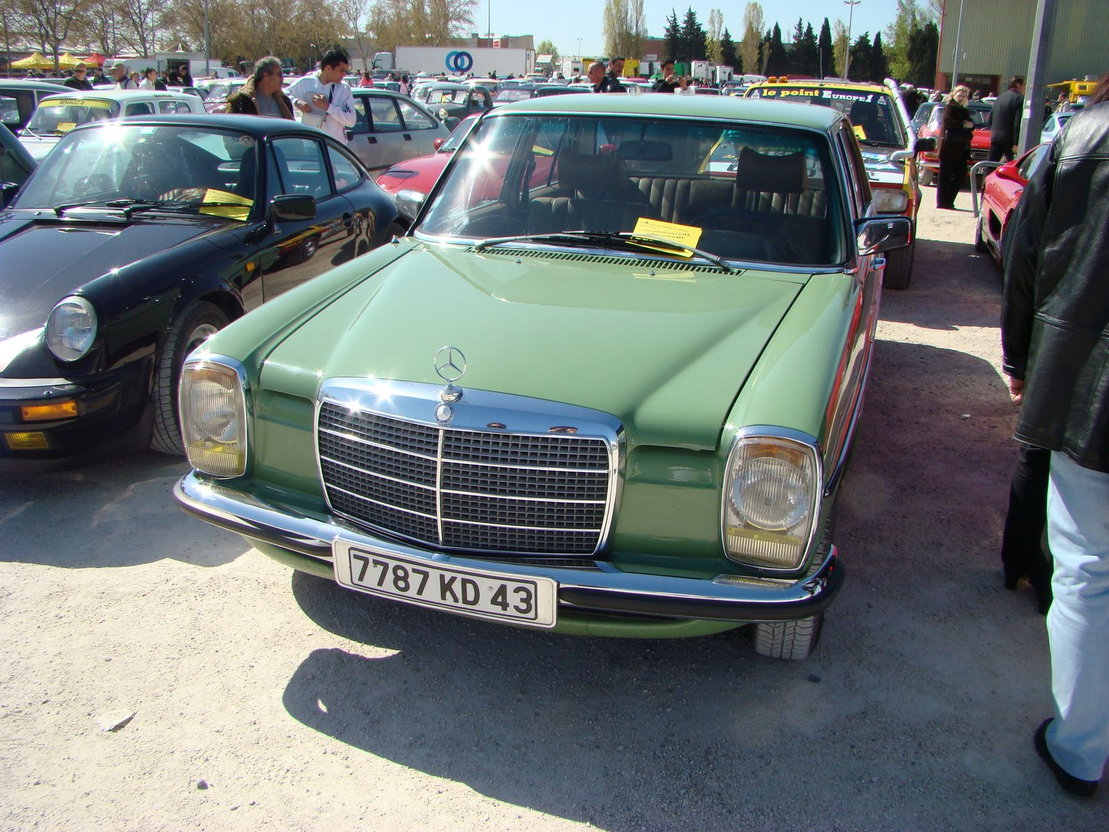 Avignon take three ran when parked for Garage mercedes avignon