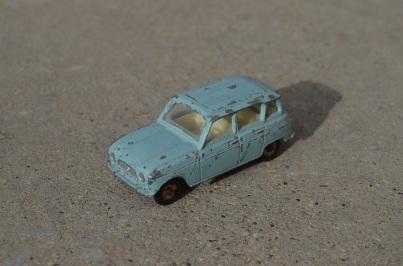 dinky-toys-renault-4l-1