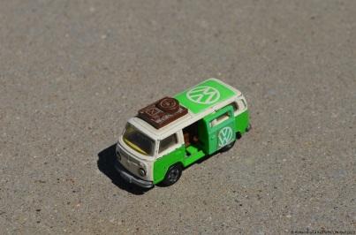 tomica-volkswagen-bus-1