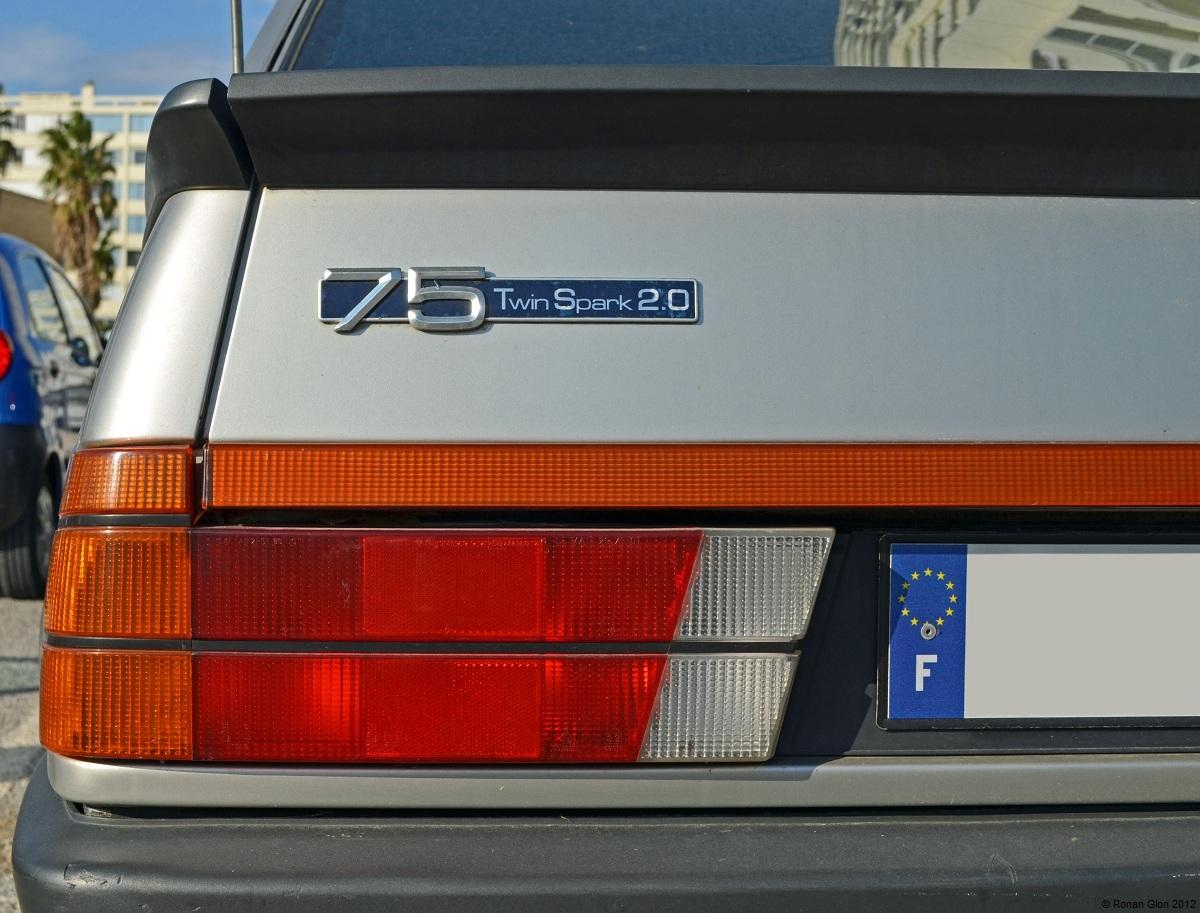 Alfa romeo emblem change 14