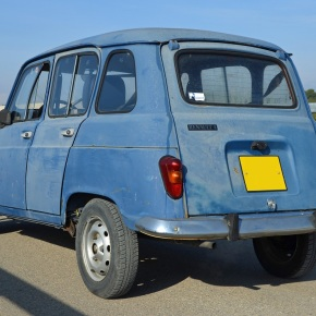 A quick drive in a 1985 Renault 4