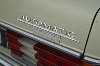 epoqu-auto-mercedes-benz-300d-2