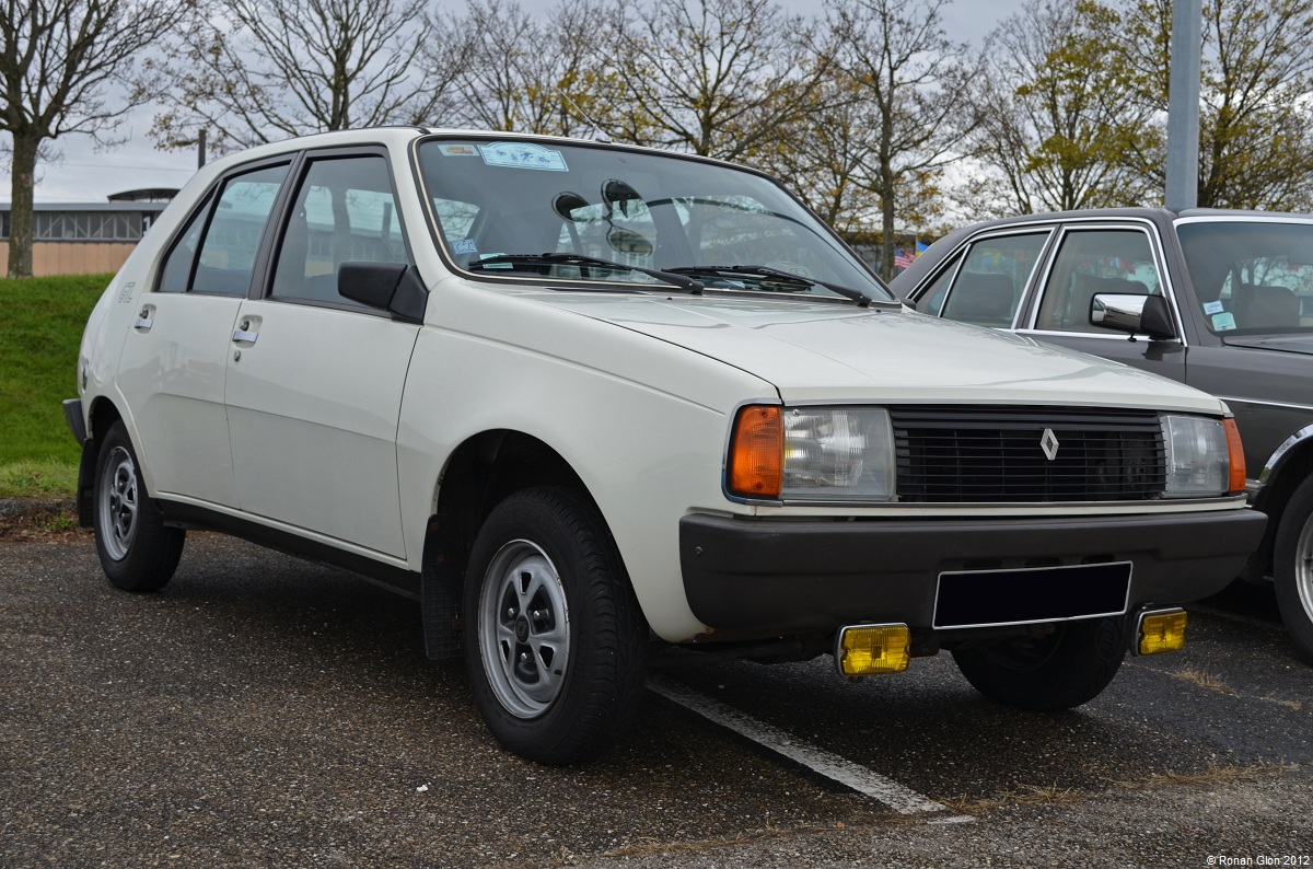 Epoqu auto renault 14 3 ran when parked for Garage renault evrecy 14