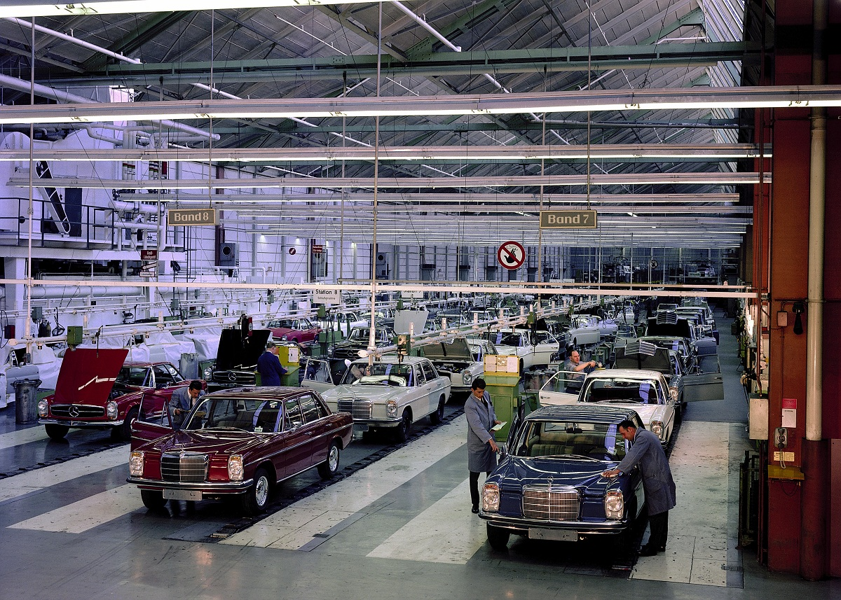 Topical advertising assembly lines ran when parked for Mercedes benz usa factory