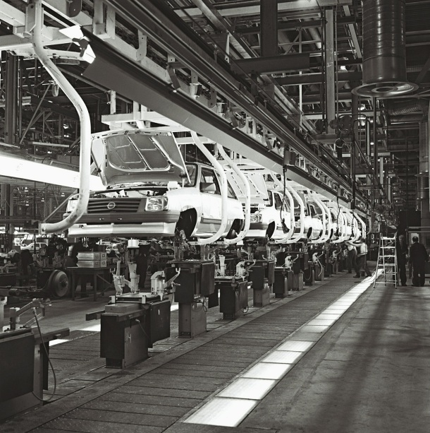 opel-corsa-assembly-line