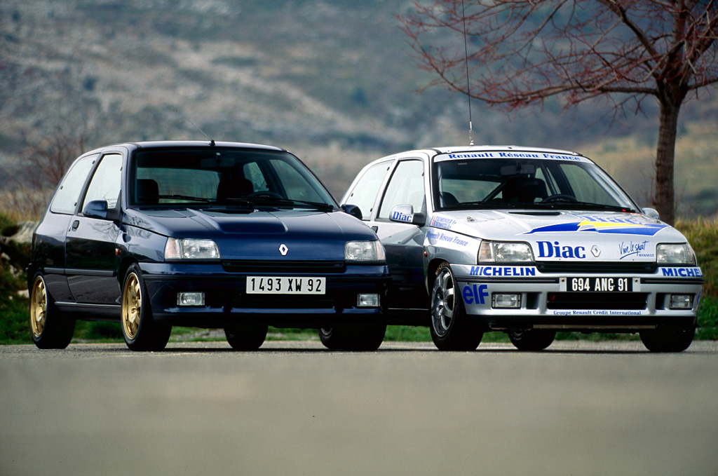 20 years ago renault launches the clio williams ran when parked. Black Bedroom Furniture Sets. Home Design Ideas
