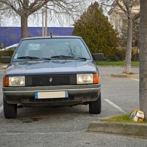 Sunday classic: Renault 9Louisiane