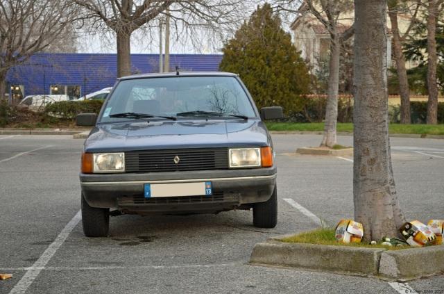 Sunday Classic Renault 9 Louisiane Ran When Parked