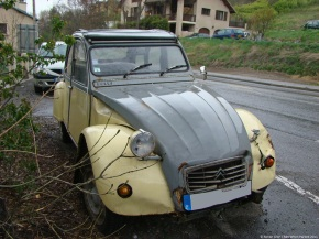 Sunday classic: Citroën 2CV Dolly