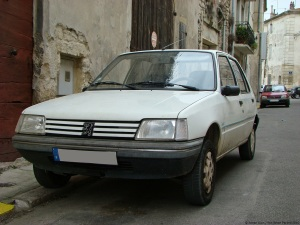 future-classic-peugeot-205-7