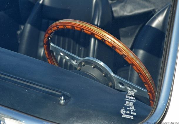 2013-velaux-mot-auto-retro-triumph-spitfire-1