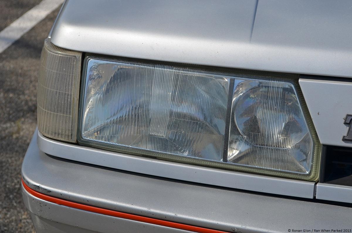 Test your headlight iq 2013 velaux r tro edition ran for Garage renault velaux