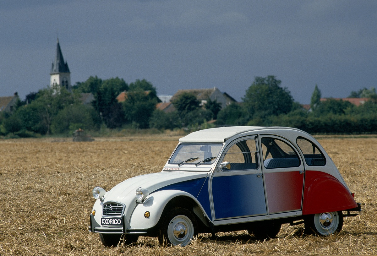 sunday classic citro n 2cv cocorico ran when parked. Black Bedroom Furniture Sets. Home Design Ideas