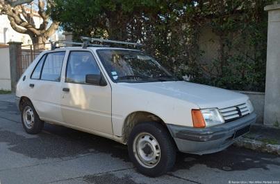 peugeot-205-1983