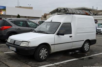 peugeot-205f-1