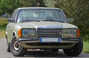 A quick drive in a 1981 Mercedes-Benz 230E (w123) [Video]