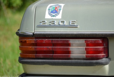 1981-mercedes-benz-230e-w123-10