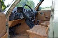 1981-mercedes-benz-230e-w123-14