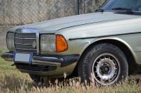 1981-mercedes-benz-230e-w123-2