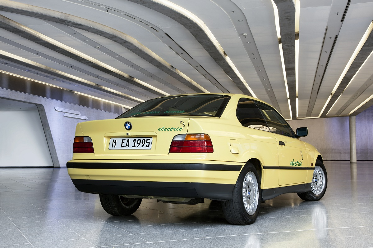 A Look At The Experimental Bmw 3 Series Electric Ran When Parked