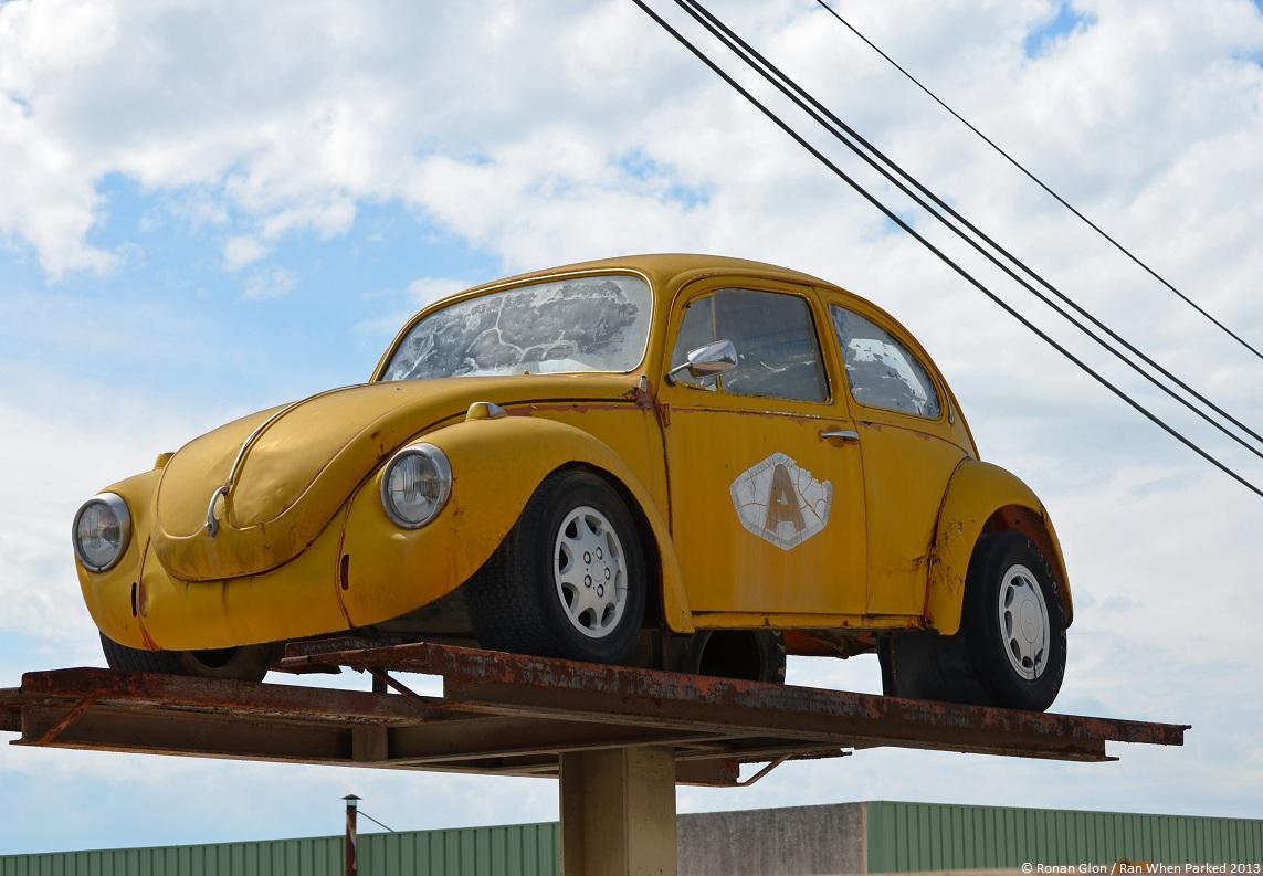 four wheeled billboard volkswagen 1302 l ran when parked. Black Bedroom Furniture Sets. Home Design Ideas