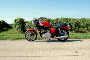 Road Test: 2012 Triumph Bonneville SE