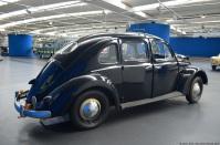 volkswagen-museum-wolfsburg-beetle-four-door-taxi-2
