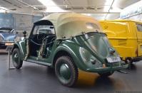 volkswagen-museum-wolfsburg-polizei-cabriolet-2