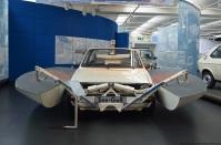 volkswagen-museum-wolfsburg-see-golf