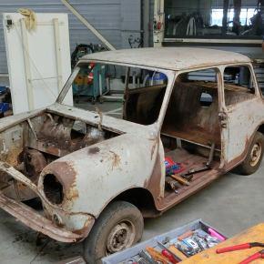 BMW fully restores barn-find 1959 AustinSeven
