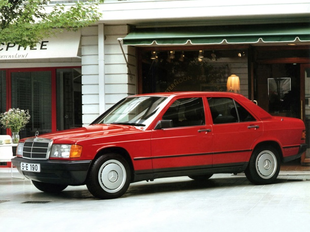 mercedes-benz-190-w201-red