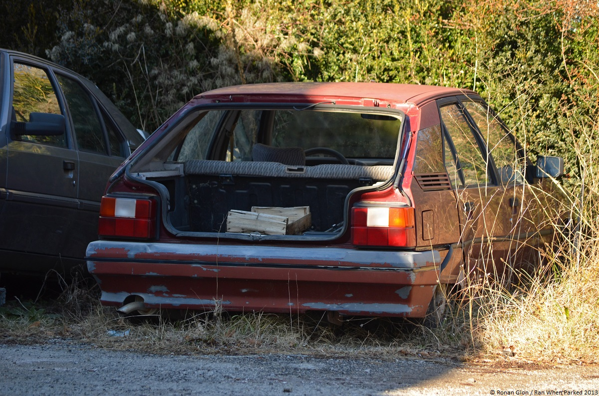 Citroen garage 21 ran when parked for Garage citroen sete