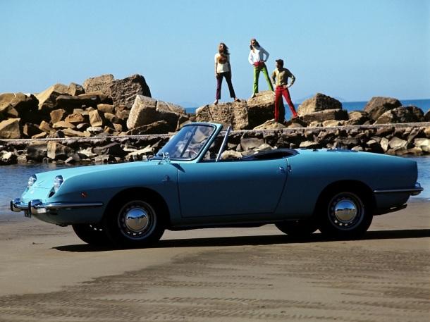 fiat-850-spider-blue