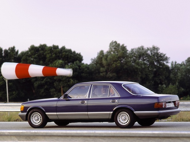 mercedes-benz-w126-500-sel-blue