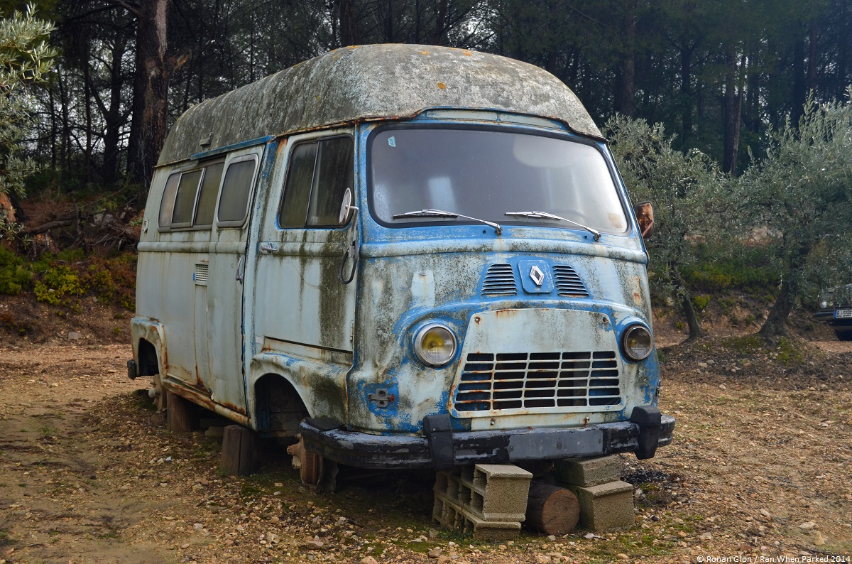 rust in peace renault estafette ran when parked. Black Bedroom Furniture Sets. Home Design Ideas