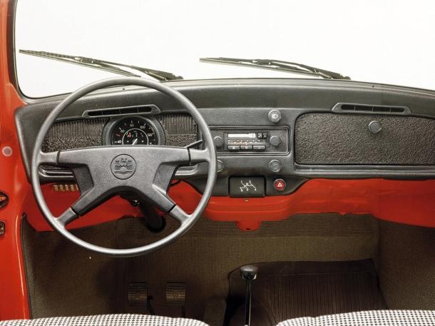 volkswagen-beetle-interior