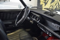 aventure-peugeot-museum-204-convertible-2