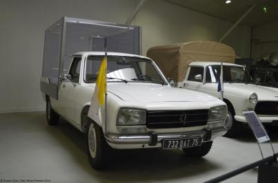 aventure-peugeot-museum-504-popemobile