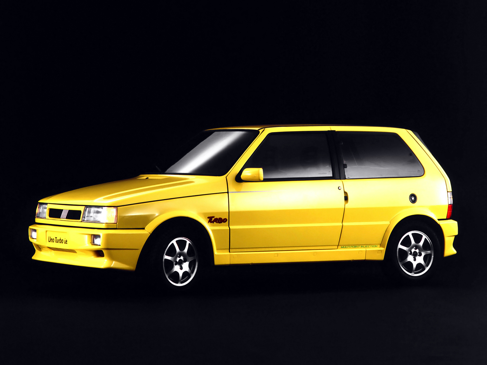 fiat uno turbo ie brazil 4 ran when parked. Black Bedroom Furniture Sets. Home Design Ideas