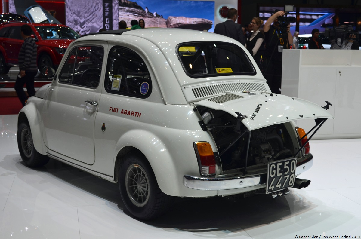 geneva fiat abarth 695 ss 1 ran when parked. Black Bedroom Furniture Sets. Home Design Ideas