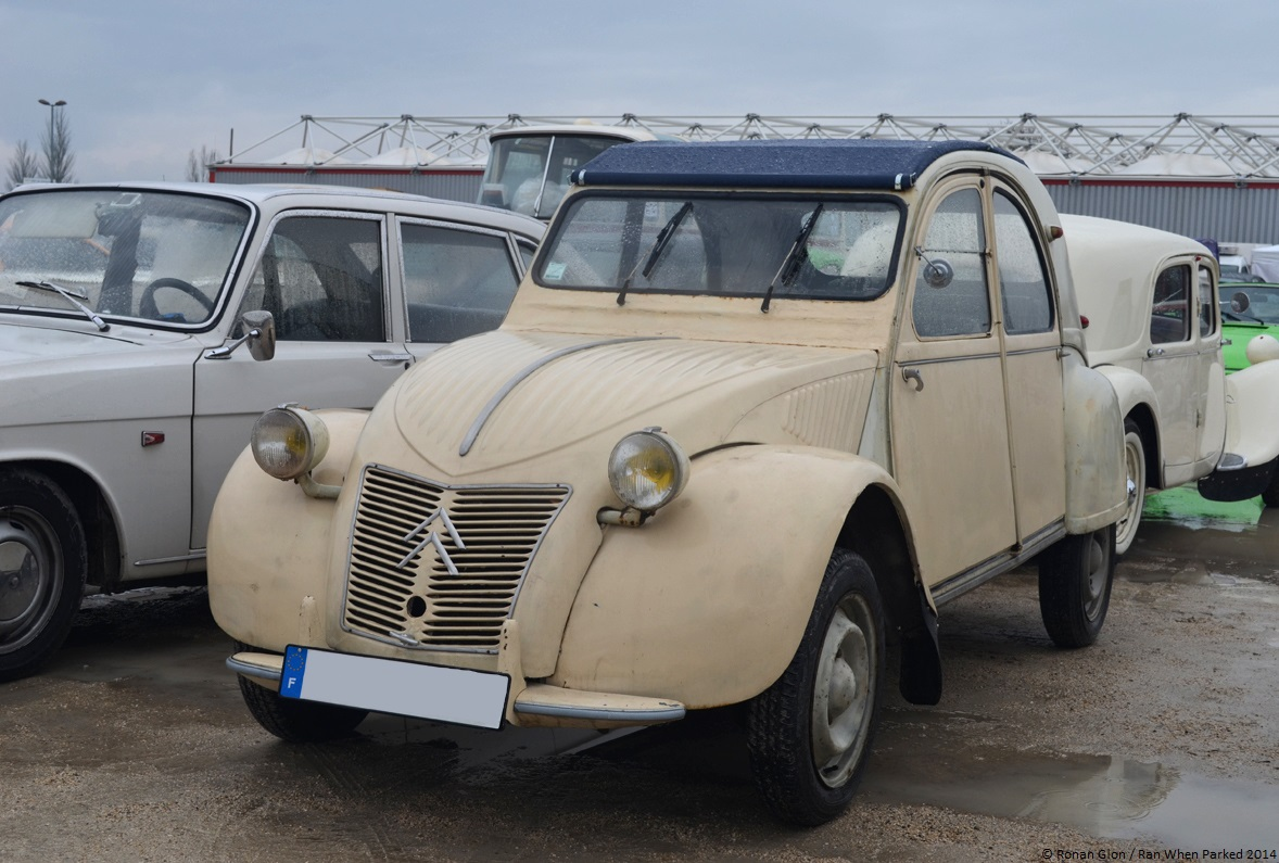 2014 avignon motor festival citroen 2cv 2 ran when parked. Black Bedroom Furniture Sets. Home Design Ideas