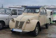 2014-avignon-motor-festival-citroen-2cv-2