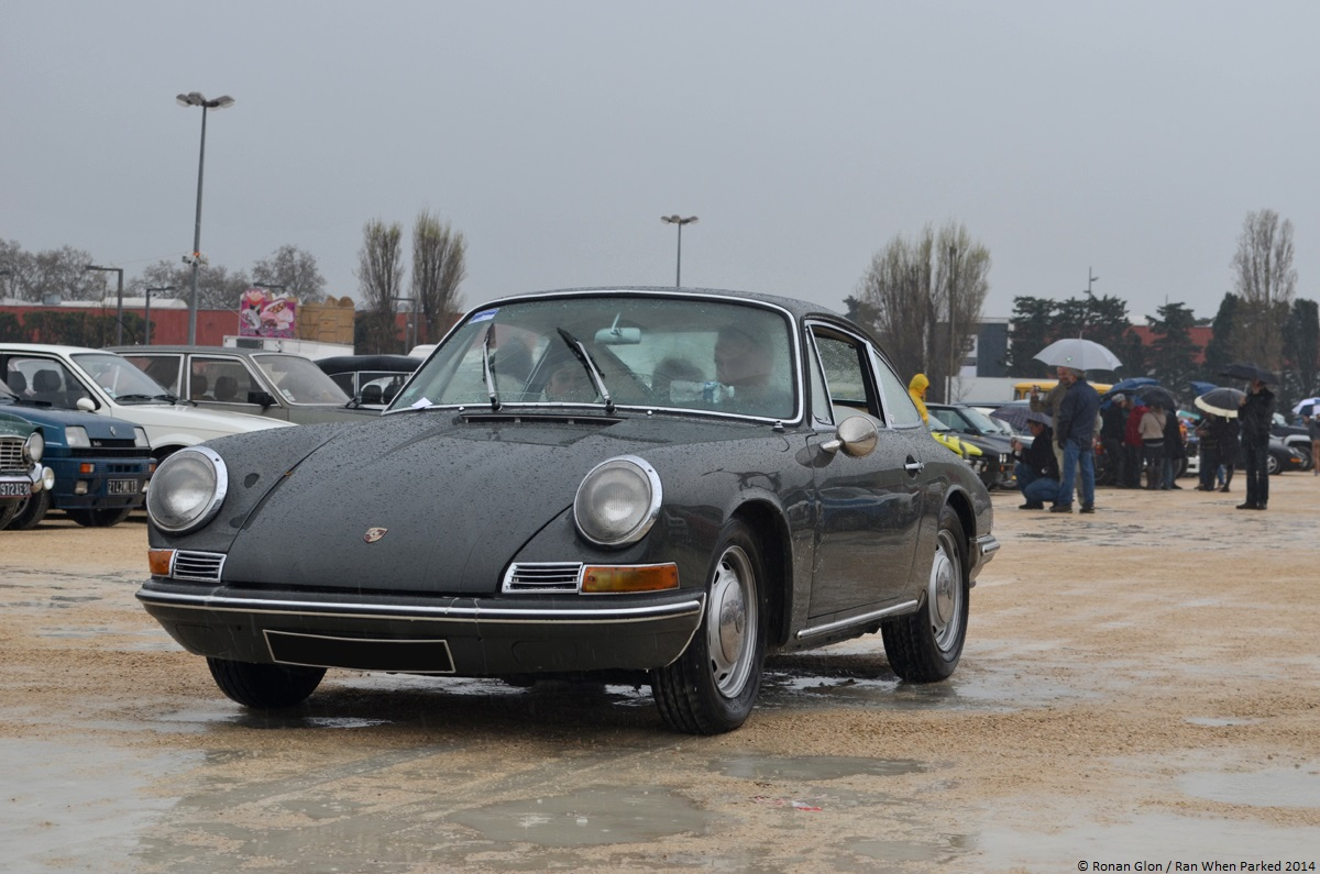 2014 avignon motor festival porsche 911 1 ran when parked. Black Bedroom Furniture Sets. Home Design Ideas