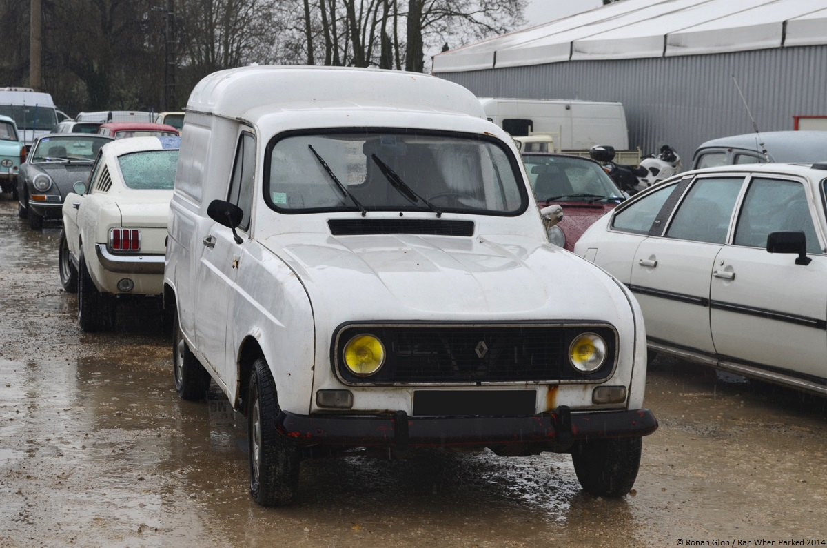 2014 avignon motor festival renault 4 f4 1 ran when parked. Black Bedroom Furniture Sets. Home Design Ideas