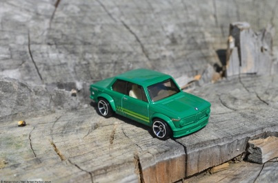 hot-wheels-bmw-2002-1