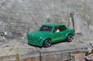 hot-wheels-bmw-2002-10