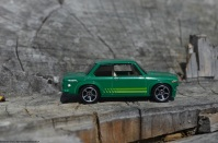 hot-wheels-bmw-2002-5