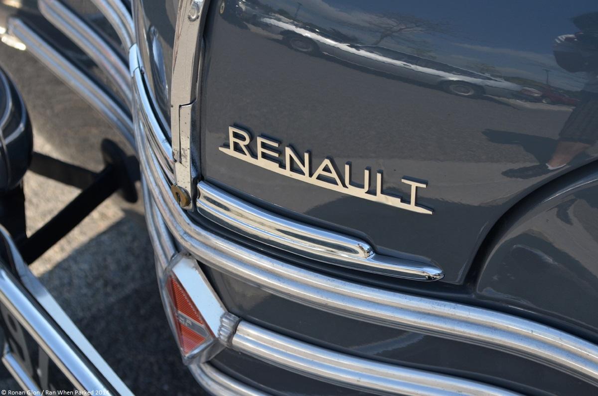 Mot auto velaux 2014 renault 4cv 6 ran when parked for Garage renault velaux