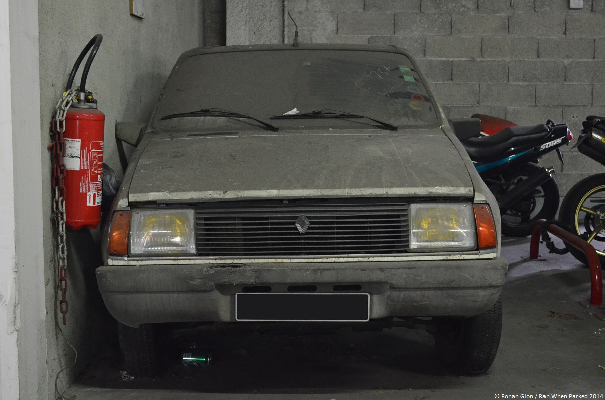 Renault 14 tl garage 5 ran when parked for Garage renault evrecy 14